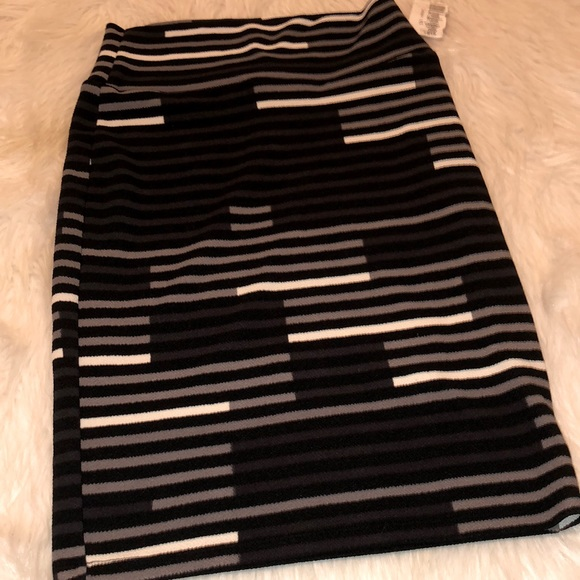 LulaRoe Skirt (3/$21 in bundles of 3 or more)